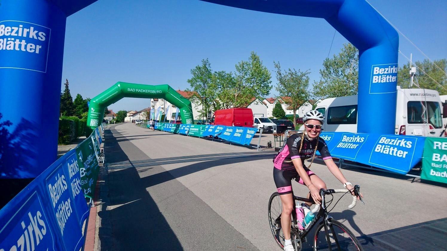 Jeannine beim 27. Neusiedler See Radmarathon